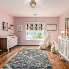 A pink dream! Modern furniture, whimsical decor, hardwood flooring and a elegant light fixture. Listed in Vienna, Virginia for $1.399M by The Casey Samson Team is a Wall Street Journal Top Team in Northern Virginia.