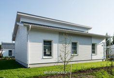 Muurametalot Kanerva V-96 - Asuntomessut Garage Doors, Outdoor Decor, Home Decor, Decoration Home, Room Decor, Home Interior Design, Carriage Doors, Home Decoration, Interior Design