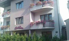 Gema (***)  LUIGI OMAR ALISTAR has just reviewed the hotel Gema in Brasov - Romania #Hotel #Brasov  http://www.cooneelee.com/en/hotel/Romania/Brasov/Hotel-Gema/1497830