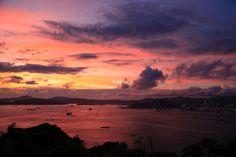 摩星嶺的天空:週末去了摩星嶺YHA宿營,那天白天不停下大雨,4點後卻放晴,黃昏時天空染了一片紅,晚霞好美。 http://www.yiklung.net/blog/?p=2645