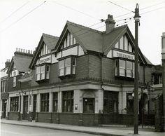 (ex) Crown - High Road Willesden High Road, London Pubs, Royal Oak, Louvre, England, Crown, Memories, Building, Travel