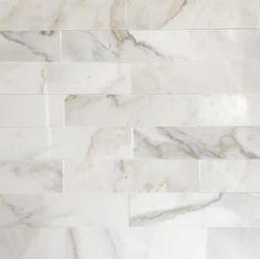 Calacatta Tile, Marble Tile Backsplash, Modern Kitchen Backsplash, Calacatta Gold Marble, Marble Subway Tiles, Quartz Kitchen Countertops, Subway Tile Kitchen, Kitchen Backsplash Inspiration, Kitchen Inspiration
