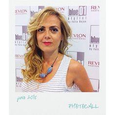 Photocall desde L'H, qué guapa que está!!! #blue01stylist #photocall #peluqueriaunisex #lo… http://ift.tt/1JCmK25