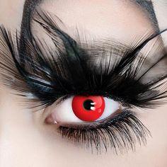 Die rote Kontaktlinse Red Devil gibt es jetzt auch als Tageslinse in unserem Shop