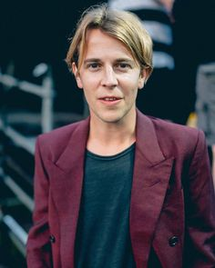 """379 mentions J'aime, 2 commentaires - ⠀⠀⠀⠀⠀⠀⠀⠀⠀⠀⠀⠀ABOUT TOM ODELL (@tompeterodellposts) sur Instagram : """"Tom Odell at @indiependence_festival County Cork, Ireland. August 04, 2017. #tomodell…"""""""