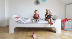 Kinderbett Minimalmaxi als Aufbauvariante Juniorbett. Ein Bett 4-in-1 von 0-9, das schrittweise mit dem Kind wächst vom Beistellbett bis zum Juniorbett.