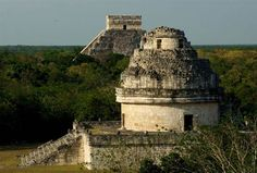 Experts in Mexico say they have determined that the ancient Maya used watchtower-style structures at the temple complex of Chichen Itza to observe the equinoxes and solstices.