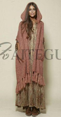 Chaleco-capucha-rosa-flecos-de-Zaitegui.jpg (464×893)