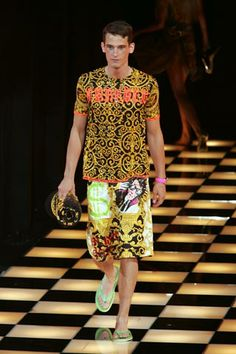 Versace | Spring 2005 Menswear Collection | Style.com