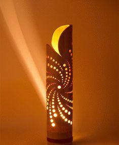 """Bamboe lamp """"Robustus L"""" uit onze Verlichting electra collectie. Stijlvol, handgemaakt en exclusief. Kijk voor meer bamboe producten op onze website."""