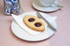Pastries and Biscuits - Lunette Framboise