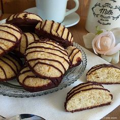 The Best Italian Cookie - Useful Articles Biscotti Cookies, Brownie Cookies, Cookie Recipes, Dessert Recipes, Italian Cookies, Arabic Food, Biscuit Recipe, Sweet And Salty, Nutella