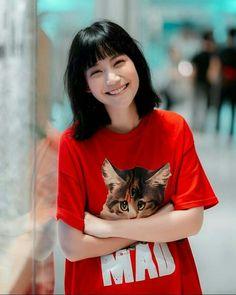 Art Hoe Aesthetic, Actor Model, Ulzzang Girl, Aesthetic Wallpapers, Girl Crushes, Pretty Girls, My Girl, Asian Girl, Kitty