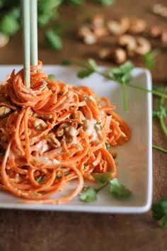 Raw Carrot Pasta with Ginger-Lime Peanut Sauce by theroastedroot #Carrots #Vegan #Healthy