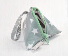 Schnullertasche Grau mit weißen Sternen & Mint RV von Gisa's auf DaWanda.com