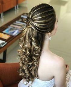 Discover penteadossonialopes's Instagram Semi-preso!❤️ #PenteadosSoniaLopes ✨ . . . #sonialopes #cabelo #penteado #noiva #noivas #casamento #hair #hairstyle #weddinghair #wedding #inspiration #instabeauty #penteados #novia #inspiração #cabeleireiros #lovehair #videohair #curl #curls #noivasdobrasil #vireinoiva #noivassp #noivas2017 #noivas2018 #cabelos #cursosdepenteados 1645603410073287563_1188035779