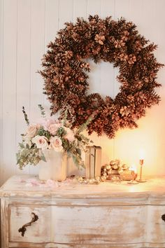Christmas ambiance - a table under the stars - French Country Cottage Shabby Chic Interiors, Shabby Chic Furniture, Shabby Chic Decor, French Interiors, Christmas Mantels, Christmas Decorations, Holiday Decor, Christmas Trees, Paris Christmas