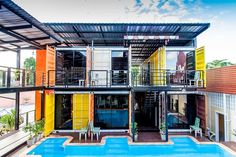 Résultat d'images pour retro box hotel, thailand Container Home Designs, Converted Shipping Containers, Shipping Container House Plans, Container Buildings, Container Architecture, Container Cafe, Casas Containers, Small Apartment Design, New Home Designs