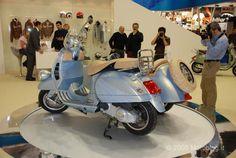 Risultati immagini per vespa gtv Scooter Motorcycle, Vespa Scooters, Vespa Gtv, Vespa Special, Sidecar, Industrial Design, Vehicles, Wheels, Board