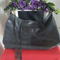 BALENCIAGA AUTHENTIC BLACK LARGE SHOULDERS BAG Ladies, additional pictures. Balenciaga Bags Shoulder Bags
