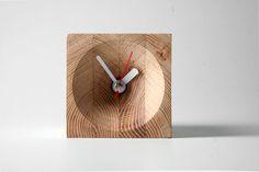Greg Melander - WOOD CLOCK Another great clock design.