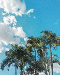 Um céu limpo e azul assim é o que eu desejo para o resto desta semana 💗  Foto tirada por @binho.delamuta hahahahah