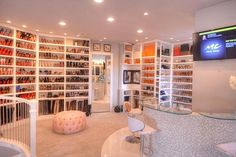 The best of luxury closet design in a selection curated by Boca do Lobo to inspire interior designers looking to finish their projects. Discover unique walk-in closet setups by the best furniture makers out there Dream Home Design, My Dream Home, House Design, Design Design, Walk In Closet Design, Closet Designs, Dream Closets, Dream Rooms, Big Closets