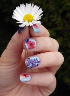 Ciaté - Flower Manicure (Bada Bloom)
