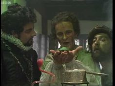 Green Gold - Blackadder - BBC - A nugget of purest green. British Comedy Series, British Sitcoms, Best Memes, Funny Memes, Hilarious, Jokes, Mr Bean Quotes, Paintings, Humor