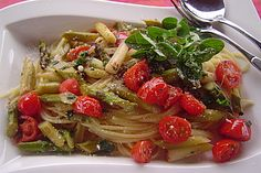 Spaghetti mit grünem Spargel