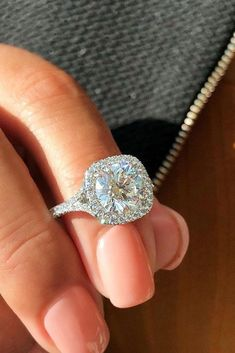 The Most Popular And Inspiring Ring Trends 2019 How to choose the perfect ring? What ring ideas are the most popular this year? The Most Popular And Inspiring Ring Trends 2019 How to choose the perfect ring? What ring ideas are the most popular this year? Rose Gold Diamond Ring, Halo Diamond Engagement Ring, Vintage Engagement Rings, White Gold Wedding Rings, White Gold Rings, Most Popular Engagement Rings, Traditional Engagement Rings, Bridal Rings, Trends