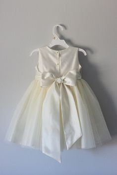 Sequin Flower Girl Dress, Tulle Dress, Cute Cheap Dresses, Bridesmaid Dresses, Wedding Dresses, Bridesmaid Ideas, Dress With Bow, Special Occasion Dresses, Ball Gowns