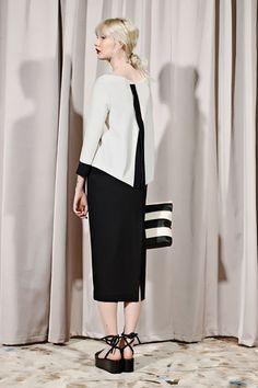 Sfilata Liviana Conti Milano - Pre-collezioni Primavera Estate 2016 - Vogue
