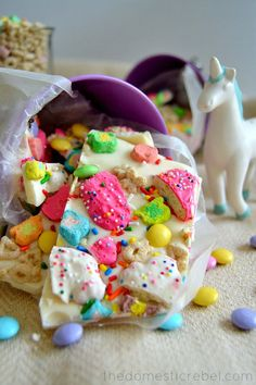 22 Amazing Cereal Desserts That Will Blow Your Family's Minds Lucky Rainbow Bark Little hands won't be able to resist colorful Lucky Charms in dessert form.