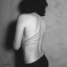 ASA para a queridíssima Mayra  Acho que vc já sabe que foi um grande prazer tatuar vc. de novo  @mygoncalves #gabibessa #tattoo #tatuagem #tatuagemfeminina #inked #inkedgirls #body #art #minimalist #design #woman #ornaments #beauty #asa #wings #blacktattoo #taot #tattoo2me #tattrx #inkstinctsubmission #blxckink #blacktattooart