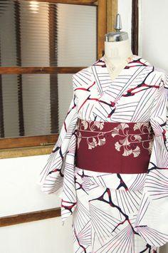 白地に赤黒モダン松模様の注染レトロ浴衣 - アンティーク着物