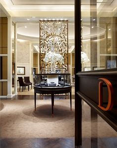 Modern Day Store Of Luxury Dhamani 1969 Jewellery In The Dubai Mall | Pink Decoration