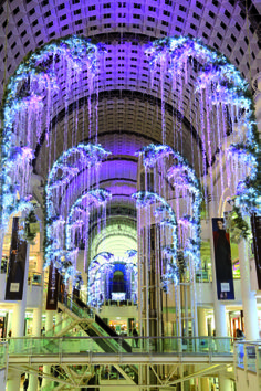Branch of garland 2013, LONDRES UK in Bentall center by Blachère illumination