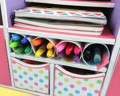 Te mostramos como hacer un Organizador para tu escritorio donde podrás ordenar tus herramientas de estudio o trabajo, tener al alcance hojas, tus cuadernos de notas, clips, pegamento, perforadora, …