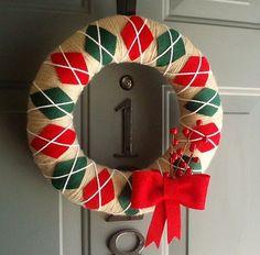 Items similar to Yarn Wreath Felt Handmade Holiday Door Decoration - Classic Christmas on Etsy Diy Yarn Wreath, Felt Wreath, Tulle Wreath, Burlap Wreaths, Door Wreaths, Handmade Christmas, Christmas Crafts, Preppy Christmas, Felt Christmas