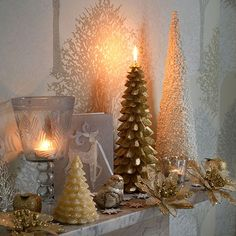 Shimmering mantelpiece | Country Christmas decorating idea |