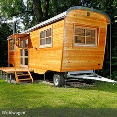 **Zirkuswagen galore: Ein Göttinger Ingenieur baut moderne Luxus-Häuschen für Downsizing-Fans.** Klasse :-)