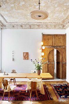 Una casa con una bonita mezcla de estilos en la que sobresalen los detalles étnicos.