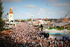 Everything you MUST know before attending Oktoberfest in Munich, Germany! This is the ultimate Munich Oktoberfest guide, packed with important expert tips you should remember before attending. Attractions In Germany, Munich Oktoberfest, Socotra, Blue Hole, Key West Florida, Neuschwanstein Castle, Pamukkale, Beer Festival, Hotels