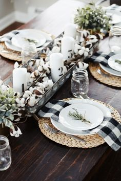 One of my favorite things to do during the holiday season is put together pretty tablescapes. This year's modern farmhouse thanksgiving tablescape. Farmhouse Style Kitchen, Farmhouse Decor, Modern Farmhouse, Modern Rustic, Country Farmhouse, Farmhouse Placemats, Modern Fall Decor, Modern Country, Farmhouse Ideas