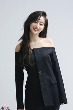 Pin by Lunastar on April in 2019 Uzzlang Girl, Hey Girl, Korean Girl Groups, Kpop Girl Groups, K Pop, Girls Spreading, Elegant Wedding Hair, Ulzzang Korean Girl, Diy Dress