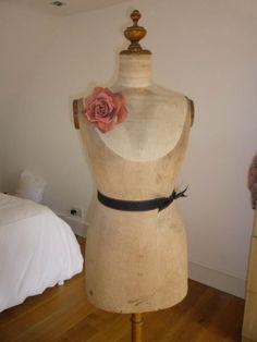 Buste Girard Antique Vintage Mannequin Dummy  rosiedaydream.blogspot.com