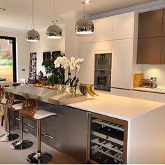 Modern and Contemporary Kitchen Cabinets Design Ideas 44 - Rockindeco Contemporary Kitchen Cabinets, Modern Kitchen Design, Interior Design Kitchen, Kitchen Cabinet Design, Kitchen Cabinetry, Luxury Kitchens, Home Kitchens, New Kitchen, Kitchen Decor