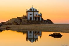 da Pedra, Miramar - Portugal - a church on the beach. Wonderful Places, Great Places, Beautiful Places, Places To Visit, Places Around The World, Around The Worlds, Portugal Holidays, Portuguese Culture, Cities