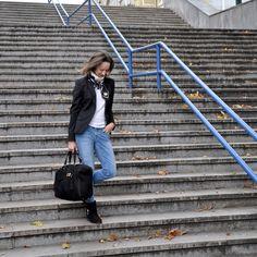These three black pieces - Gucci handbag, Patrizia Pepe ankle boots and Manuel Ritz luxury jacket – make lately my company. Manuel Ritz, Loft Design, Patrizia Pepe, Gucci Handbags, Cartier, Fashion Inspiration, Ankle Boots, Fashion Outfits, Luxury